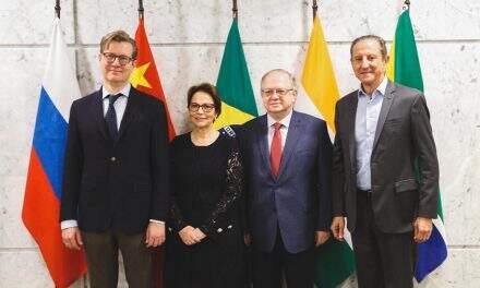 Tereza Cristina recebe ministros do Brics e defende interligação dos mercados globais de alimentos